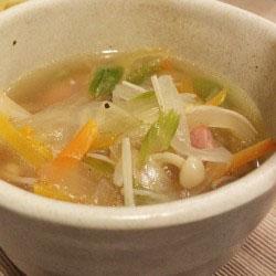 どんぶり1杯の野菜が食べられる、満点スープ